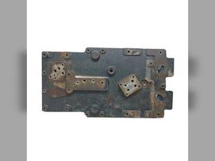 Used Rear Axle Housing Cover Case IH MX305 Magnum 255 Magnum 215 Magnum 275 MX245 Magnum 305 Magnum 335 MX275 MX215 Magnum 245 New Holland TG215 T8020 TG305 T8030 T8050 TG245 TG275 T8040 T8010