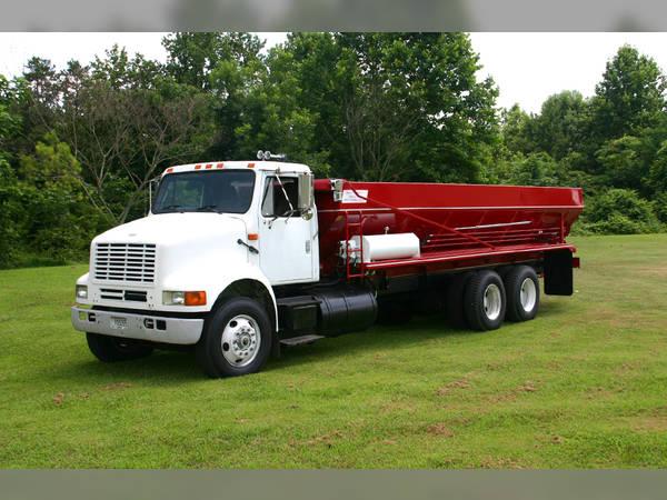2021 Chandler Truck Mount Poultry Litter Spreader