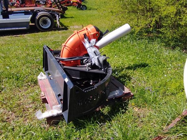 2021 LVI Rooster Thunder Sweeper Blower