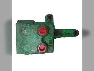 Used Remote Break-Away Coupler RH John Deere 2440 1640 2040 3130 1040 2240 2640 1140 2020 1520 2630 2140 940 2030 1530 1840 3030 1020 2940 2130 2840 1830 AR39036