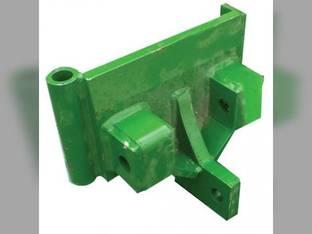 Pivot Marker Bracket Assembly - RH John Deere 7340 1565 7000 1700 7300 1760 1780 1710 1560 750 7240 7200 1730 1770 1750 A50268
