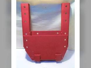Used Fender Bracket - RH Channel Style International 1468 Hydro 100 1466 766 1066 966 65118C1