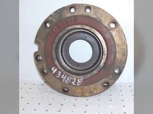Used Output Shaft Bearing Retainer - LH International 1586 1568 4786 1566 67398C1