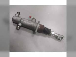 Used Brake Master Cylinder Case IH MXU110 MXU100 MXU135 Maxxum 125 MXU115 MXU130 Maxxum 120 MXU125 Maxxum 140 Maxxum 130 Maxxum 110 Maxxum 115 New Holland T6050 T6030 T6020 T6070 TS125A T6010 TS115A