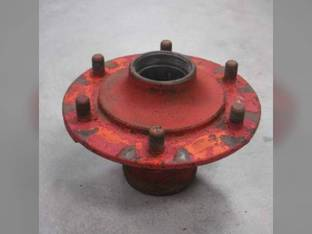 Used Front Wheel Hub Ford 621 651 611 821 701 941 2120 641 600 801 2131 2110 851 8N 881 971 861 800 501 811 961 700 541 2000 650 631 661 620 901 900 NAA 681 841 630 671 4000 2031 4120 4031 4110 601