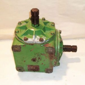 Used Main Gear Case John Deere 240 300 2320 2280 2420 230 AE47307