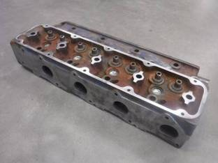 Used Cylinder Head Ford 9030 7100 7740 6610 6640 5610 5610S 5640 New Holland TB100 TB110 TS100 TS110 87802121 87802940