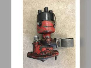 Used Distributor with base and tach drive International 100 A A Super H Super H 340 340 450 450 Cub Cub C C 350 350 H H B B 140 140 300 300 504 504 Super M Super M M M Super A Super A 230 230 400 400