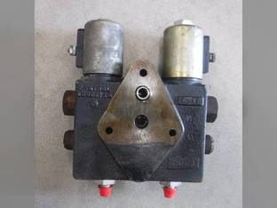 Used Hydraulic Double Piloted Valve Case IH 1660 1688 1620 1020 1644 1666 1010 1680 1670 1640 1267035C93 International 1460 1420 1440 1470 1480 1267035C92
