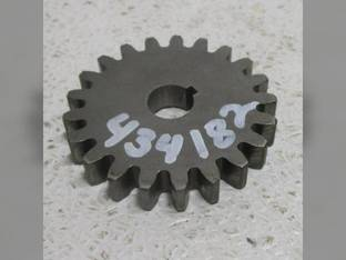 Used Transfer Pump Drive Gear Case IH CX80 CX90 CX100 395 485 495 585 595 685 695 885 895 995 3220 3230 4210 4230 4240 International 385 454 464 484 485 574 584 585 674 684 784 884 885 2400A 2500A
